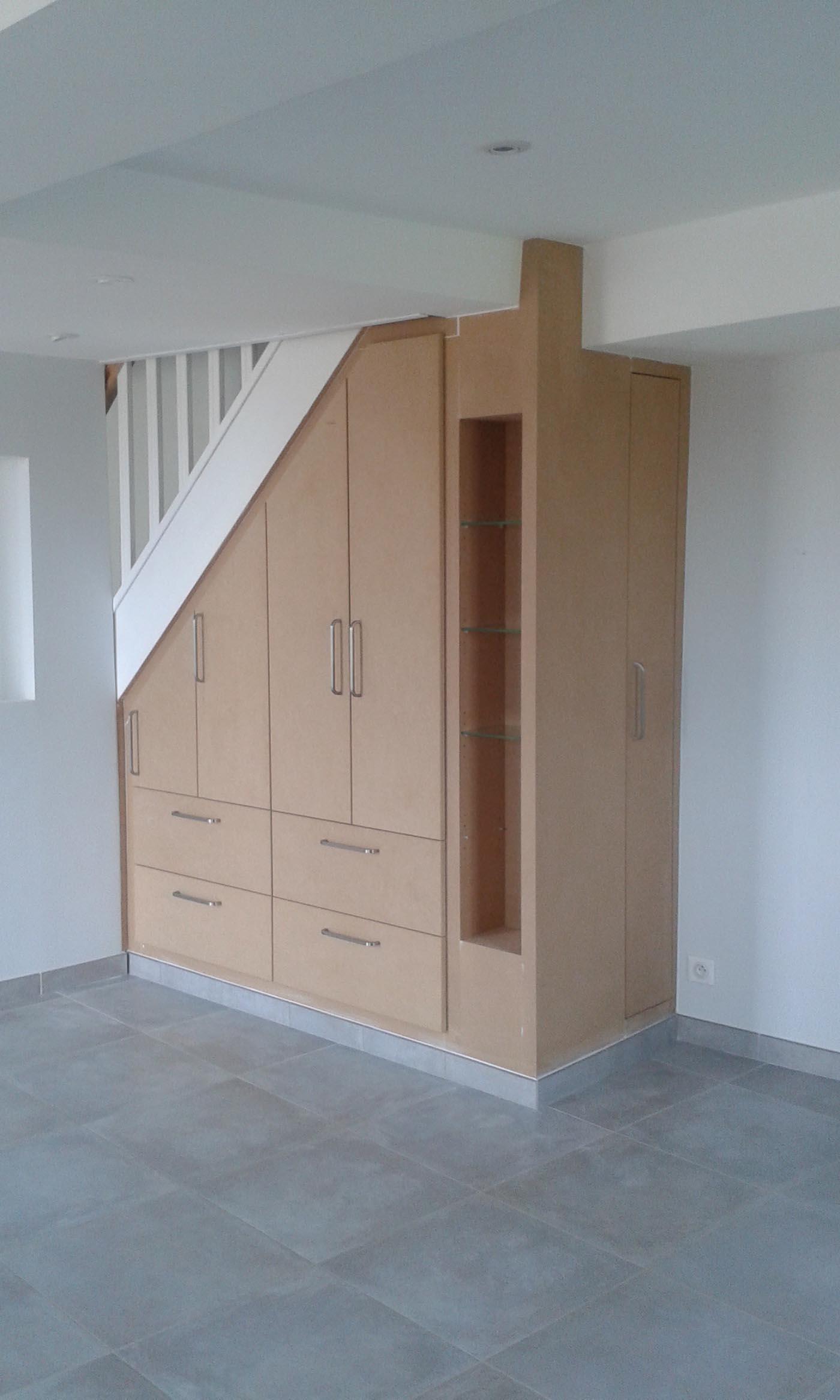 tele sous escalier meuble tv escalier meuble tv blanc sous escalier sur mesure meuble tv sous. Black Bedroom Furniture Sets. Home Design Ideas